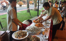 Ngỡ ngàng với bữa tiệc 40 món ăn từ cá tra