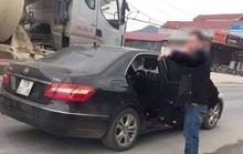 Trung úy công an điều khiển xe sang Mercedes va chạm khiến cụ ông đi xe đạp tử vong