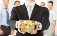 Cách xử lý quà tặng dịp Tết, cán bộ, công chức không bị kỷ luật