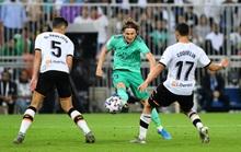 Real Madrid đánh úp Valencia, giành vé vào chung kết Siêu cúp