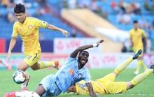 Thất bại trên sân khách, SHB Đà Nẵng và SLNA mất cơ hội tranh ngôi vô địch V-League