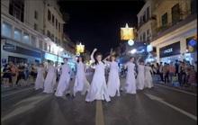 CLIP: Áo dài Việt Nam đến với thế giới đầy mới mẻ