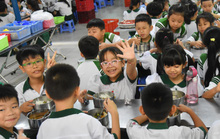 ĂN ĐÚNG CÁCH ĐỂ KHỎE MẠNH: Huấn luyện ăn uống cho trẻ