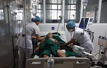 Mâu thuẫn, 2 chàng trai trẻ ở Bình Định suýt mất mạng vì bị đâm thấu tim, phổi