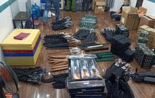 Bắt đối tượng mang súng đi bán, phát hiện ra kho vũ khí ở vùng ven