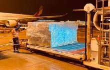 Hàng không vận chuyển miễn phí hàng cứu trợ đến miền Trung