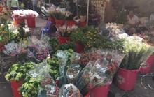 Giá hoa tươi đồng loạt giảm trước ngày 20-10