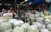 Chợ tự phát vây chợ hợp pháp