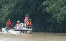 Tìm thấy thi thể bé gái 3 tuổi bị nước lũ cuốn trôi