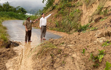 Nghệ An xuất hiện nhiều điểm sạt lở núi, khẩn cấp di dời dân