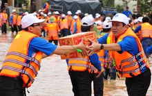 Việc vận động quyên góp cứu trợ: Hãy để lòng tốt lên ngôi!