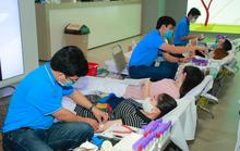 Roche Việt Nam và Samsung Vina đồng hành Hiến máu cứu người