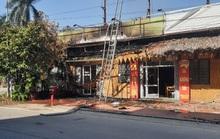 Đốt cỏ, lửa bén cháy 2 nhà hàng Mù Cang Chải và Gà Mạnh Hoạch