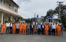 EVNSPC hỗ trợ miền Trung khắc phục sự cố điện do bão số 9