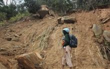 Nín thở đi dưới khối đá 30 tấn: Dùng 100kg thuốc nổ để phá đá