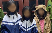 Bị bố mẹ mắng, hai bé gái bỏ nhà ra đi