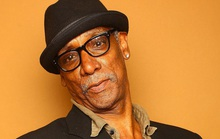 Nam diễn viên 70 tuổi bị bắn chết trên đường phố