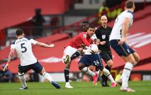 90 phút kinh hoàng, Tottenham bắn phá thánh địa Old Trafford