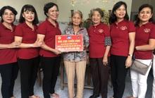 Phu nhân nguyên Chủ tịch nước Trương Tấn Sang trao tặng 500 bộ áo phao cho ngư dân Quảng Ngãi
