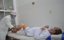 Bệnh nhân đầu tiên ở miền Tây được thay lại khớp gối nhân tạo