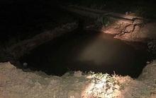 Rơi xuống hố sâu khi sang nhà bà nội chơi, nữ sinh lớp 3 chết đuối