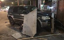 Ôtô tông hàng loạt xe máy, nhiều người bị thương