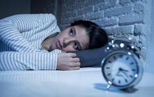 Đêm mất ngủ, trưa ngủ bù có sao không?