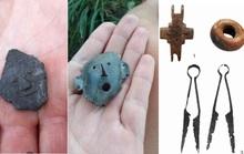 Máy xúc đào đường múc lên… cả một kho báu đầy trang sức 900 năm