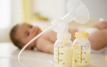 Hút sữa mẹ thay vì cho bé bú trực tiếp có sao không?