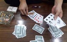 Khách đánh bài ăn tiền, chủ quán có bị xử lý?