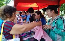 Hơn 1.000 công nhân tham dự phiên chợ nghĩa tình