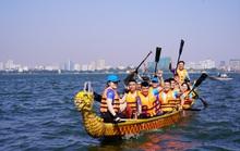 Đội Bến Tre giành ngôi quán quân giải bơi chải thuyền rồng trên Hồ Tây