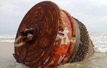 Thêm nhiều vật thể lạ có chữ Trung Quốc trôi vào biển Quảng Nam