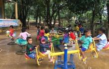 Cảm động nghe tiếng ê a đọc bài trong ngôi trường bị lũ bùn vùi lấp ở Quảng Trị