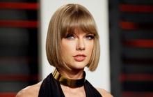 """Taylor Swift tức giận tố cáo """"kẻ thù"""" Scooter Braun"""