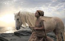 Ngã ngựa khi quay chương trình, sao nữ bị thương