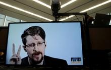 Người thổi còi Snowden xin nhập tịch Nga để… đời con bớt khổ