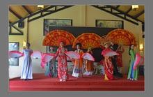 Giữ gìn truyền thống văn hóa áo dài Việt qua các đường tour