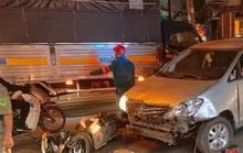 Ôtô tông hàng loạt xe máy, người và xe nằm la liệt ở Thủ Đức