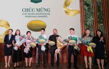 Him Lam Vạn Phúc tiếp tục gây sốt tại lễ mở bán phân khu Barres