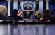 Tổng thống Trump bị các kênh truyền hình cắt sóng khi phát biểu về bầu cử Mỹ