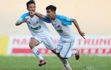 Trường ĐH Cần Thơ đánh bại Trường ĐH Sài Gòn, bám sát đội bóng do bầu Đức bảo trợ