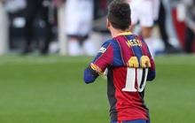 """Cởi áo tri ân huyền thoại, Messi nộp phạt """"nóng"""" 3.000 euro"""