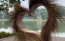 Hà Nội tháo dỡ trái tim quái dị bên Hồ Gươm