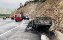 Ôtô đi Yên Tử tông vách núi bốc cháy, 3 người thương vong