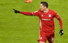 Dội bom 250 bàn thắng, Lewandowski chói sáng trước Ronaldo, Messi