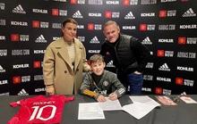 Quý tử nhà Rooney ký hợp đồng với Man United ở tuổi 11