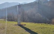 Khối kim loại bí ẩn lại mất tích ở Romania