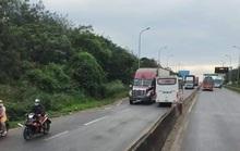 Đồng Nai: Kinh hoàng xe khách lao vun vút ngược chiều trên Quốc lộ 1