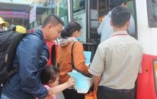 Chuyến tàu mùa Xuân đưa công nhân về quê đón Tết